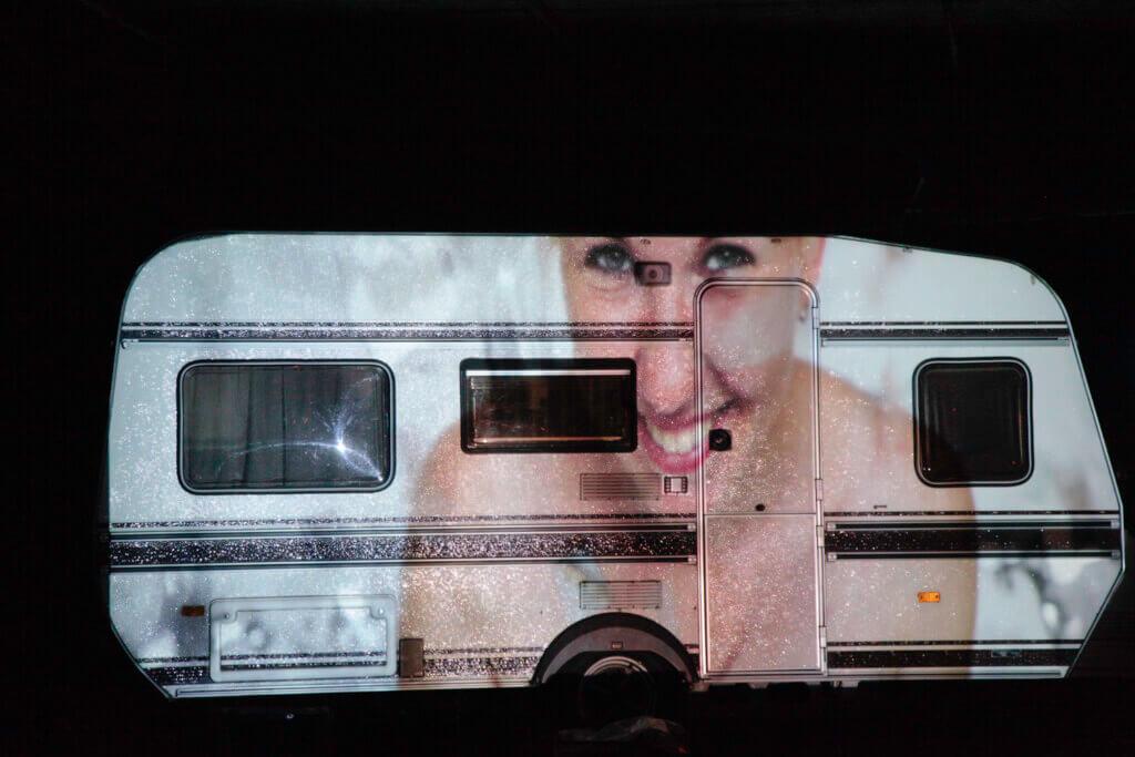 Moeland caravan - FOTO RIET PIJNAPPELS